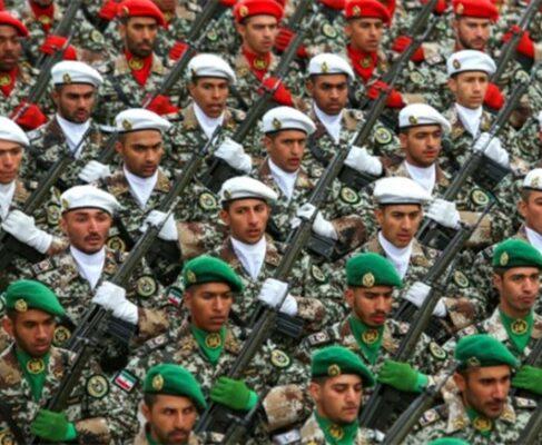 اعتماد ملت به ارتش و حضور ارتش در کنار ملت، بزرگترین سرمایه این سد محکم و دژ نفوذناپذیر